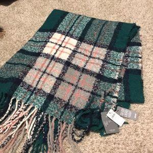 NWT Aerie blanket scarf